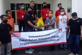 Alfamart Ikut Berikan Bantuan Kepada Warga Yang Terdampak Covid-19